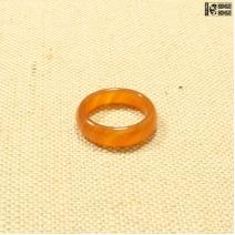 Кольцо из камня оранжевое
